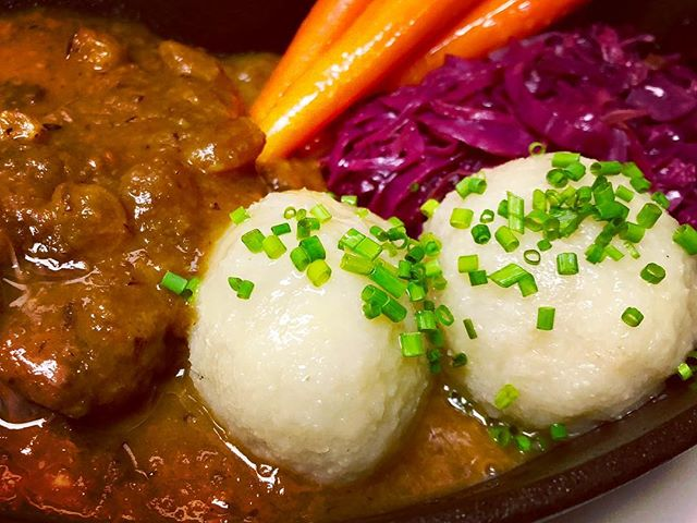 It's baaaaaaaaaack 😋👏 Oktoberfest kicks off today! AND we're releasing the coveted Sauerbraten early, it's in the specials this week 🙃  Christine Martucci at 12 Polka at 4 with Bavarski 🍻🎶