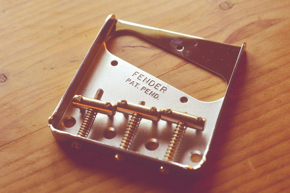 En helt autentiskt Fender-Telestall behöver inte kosta skjortan.