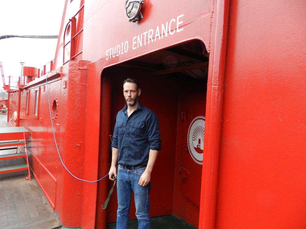 Det tog Ben Phillips och hans team 18 månader att förvandla det gamla fyrskeppet till en studio.
