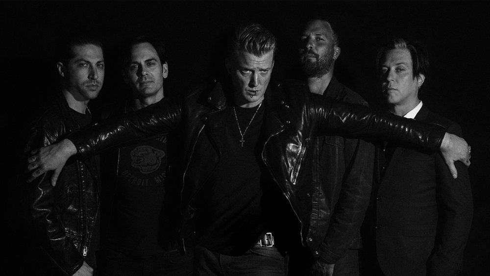 RECENSION: Queens of the Stone Age – Villains