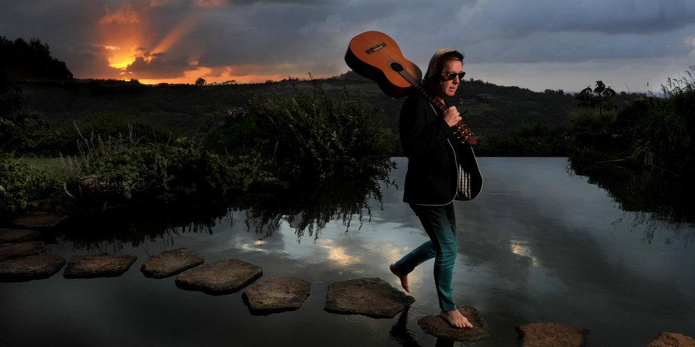 Vad ska han hitta på härnäst? Todd upphör aldrig att förvåna. 2011 släppte han Todd Rundgren's Johnson, en hyllning till blueslegenden Robert Johnson. Några år senare inledde han ett samarbete med norska dans- och trance-specialisterna Hans-Peter Lindstrøm och Emil Nikolaisen.