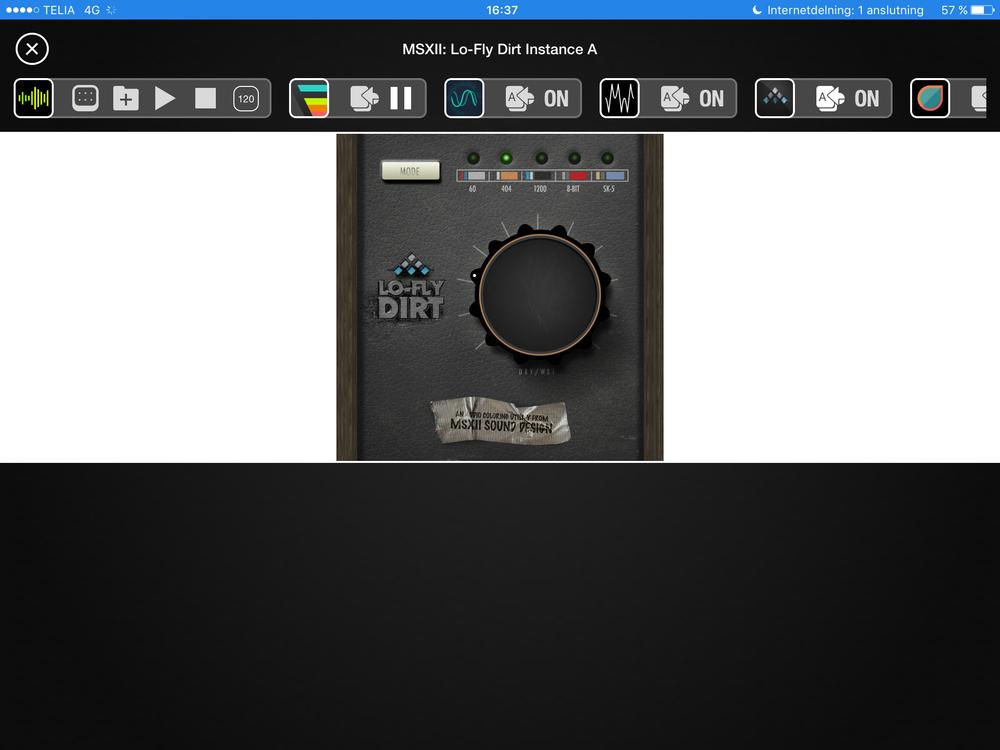 Lo-Fly Dirt kör med imiterat fejkläder, trä och lite gaffa. iOS3, någon?