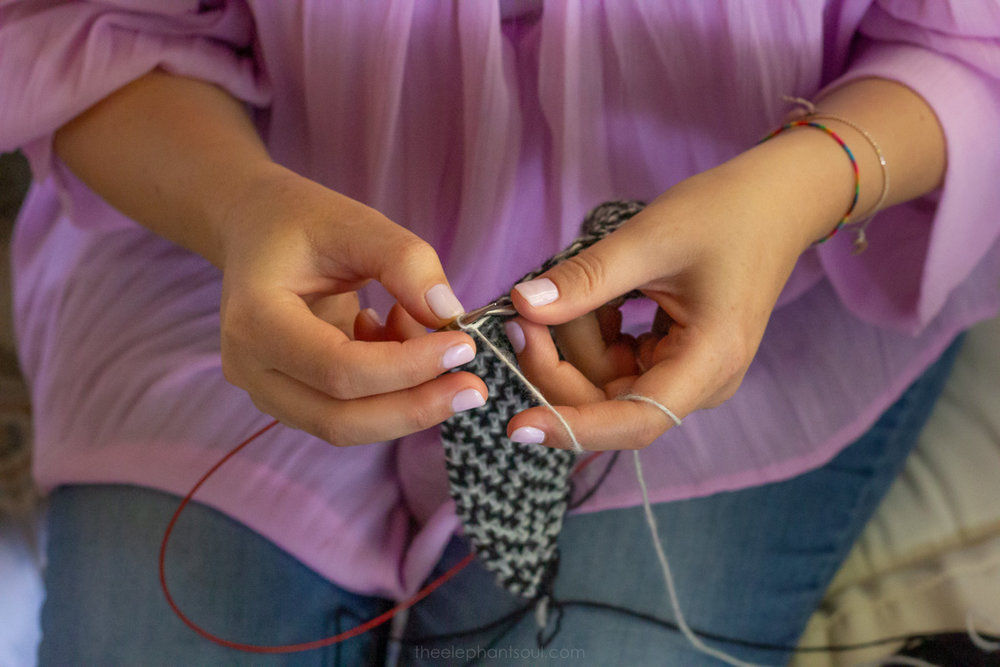 The knitting designer and tutor Marielle Zatar from  Zatar Knits  shows her talents during our recent interview. What started as a hobby long time ago is now her business and full-time passion.