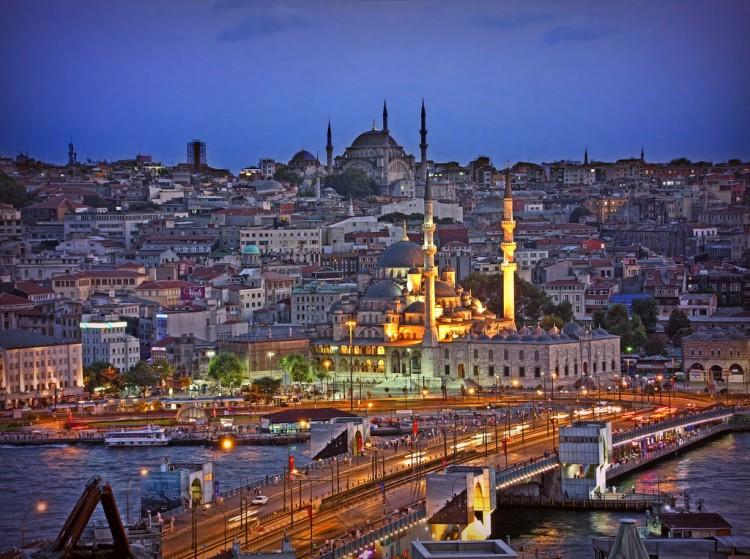 Amazing-Istanbul-Turkey-750x559