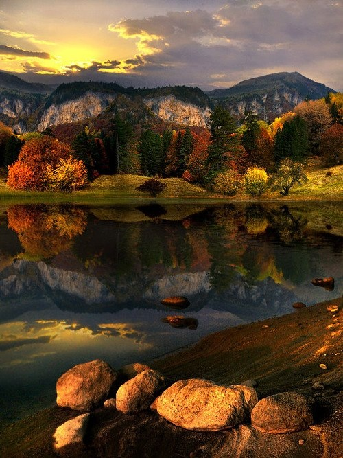 Mountain-Lake-Bulgaria