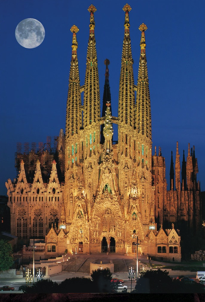 sagrada-familia-a-moon1
