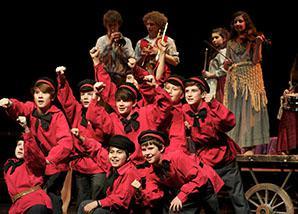 dec_0008s_0005_20-12-15_national_youth_musical_theatre_3_credit_konrad_bartelski.jpg