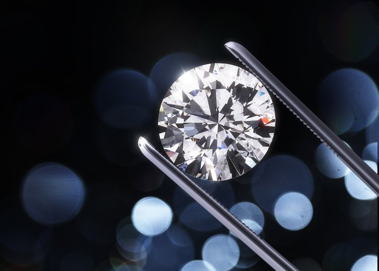 Cremation Diamond Up Close in Tweezers
