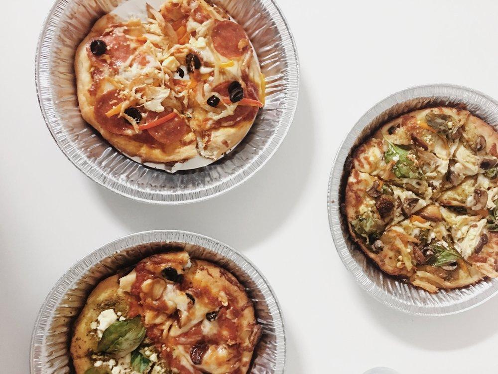minimal-pizza-menu-pizza.jpg