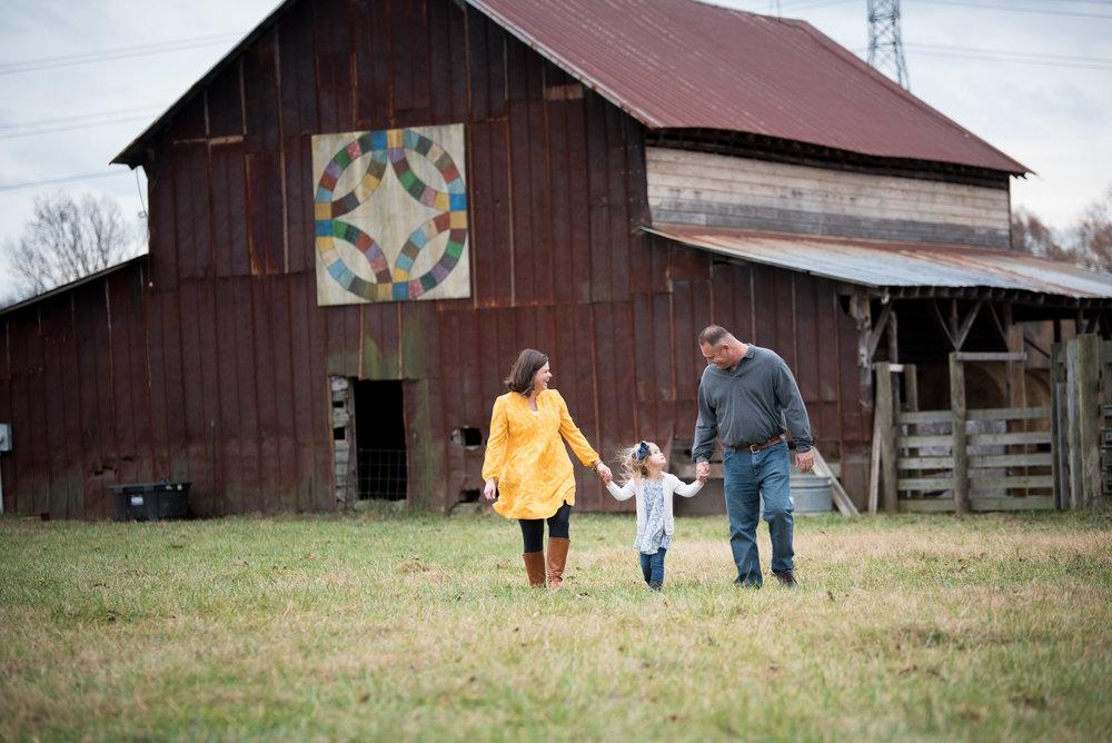 What to Wear _ Fall Family Portraits _ Outfits for Fall _ Yasmin Leonard Photography _ @YasminLeonardPhotography