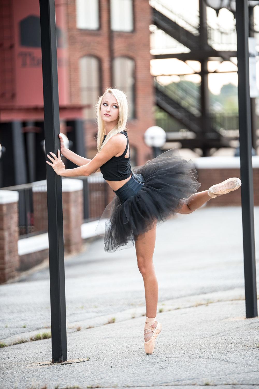 Hannah Austin Senior Portraits-43.jpg