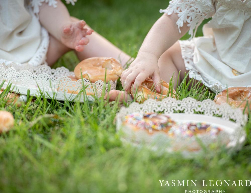 Twins First Birthay - Donut Birthday Session - Doughnuts Birthday Session - Cake Smash Ideas - TeePee Birthday Ideas - Yasmin Leonard Photography-20.jpg