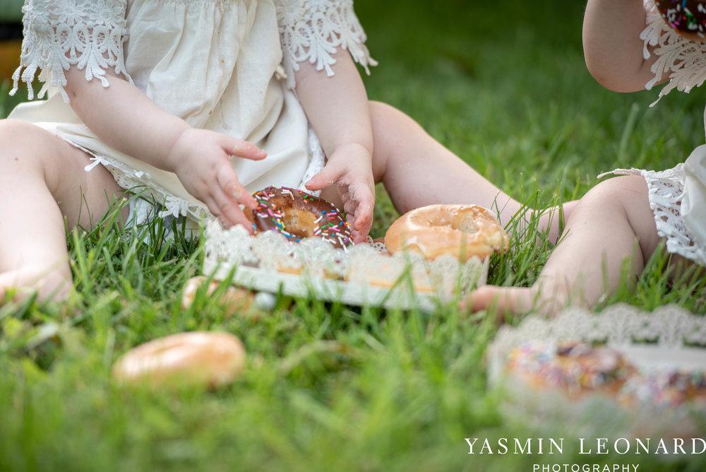 Twins First Birthay - Donut Birthday Session - Doughnuts Birthday Session - Cake Smash Ideas - TeePee Birthday Ideas - Yasmin Leonard Photography-21.jpg