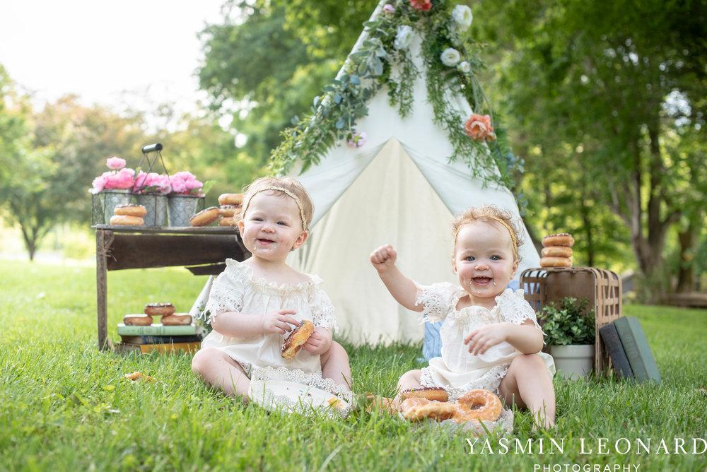Twins First Birthay - Donut Birthday Session - Doughnuts Birthday Session - Cake Smash Ideas - TeePee Birthday Ideas - Yasmin Leonard Photography-24.jpg