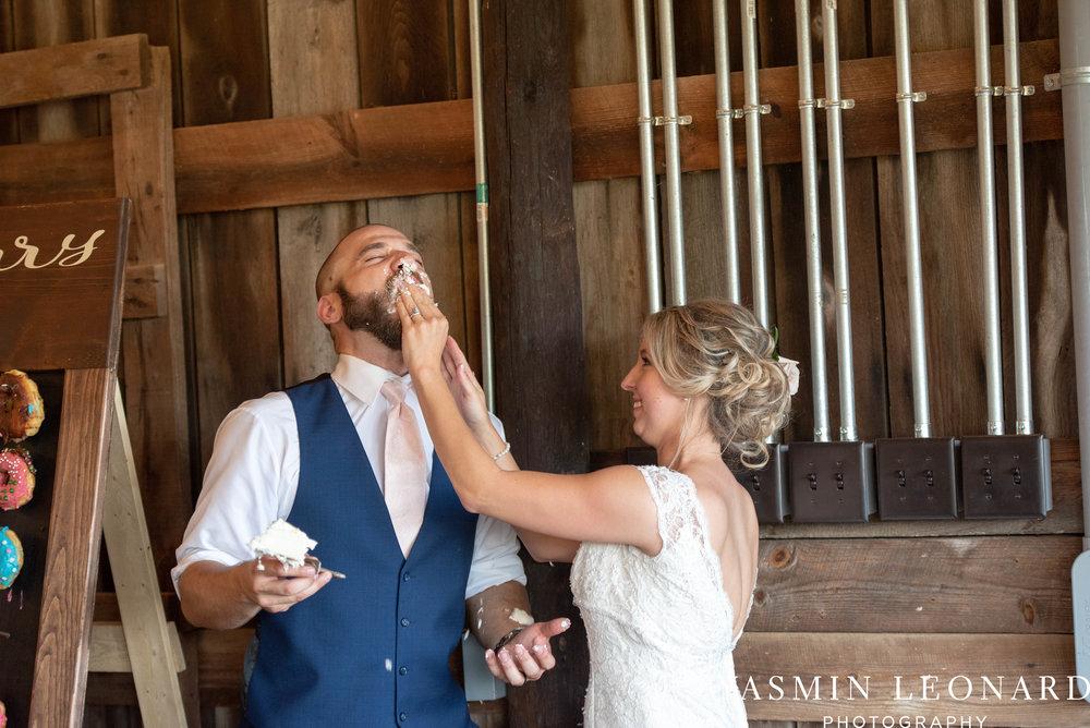 L'abri at Linwood - Yasmin Leonard Photography - NC Wedding Venues - NC Weddings - NC Photographer - High Point Wedding Photographer - Charlotte Wedding Photographer - Pink and Navy Wedding - Pale Pink Wedding - Outdoor Summer Wedding-106.jpg