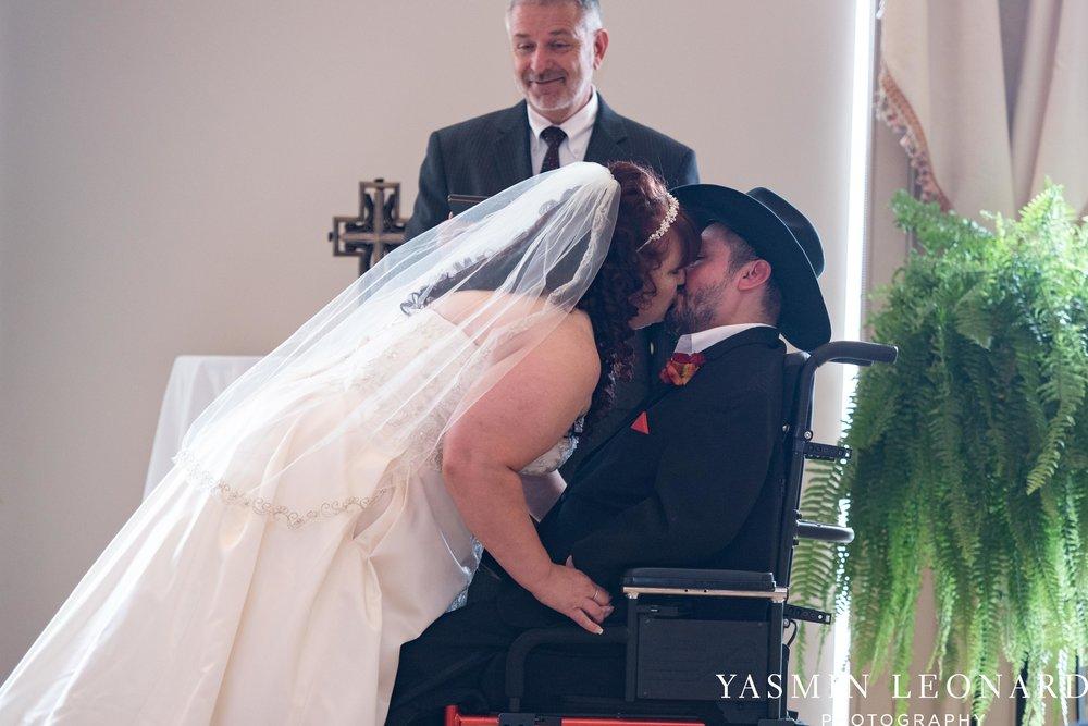 High Point Country Club - Orange and Red Wedding - Country Wedding - Cowboy Hat Wedding - Country Club Wedding - High Point NC - Yasmin Leonard Photography-21.jpg