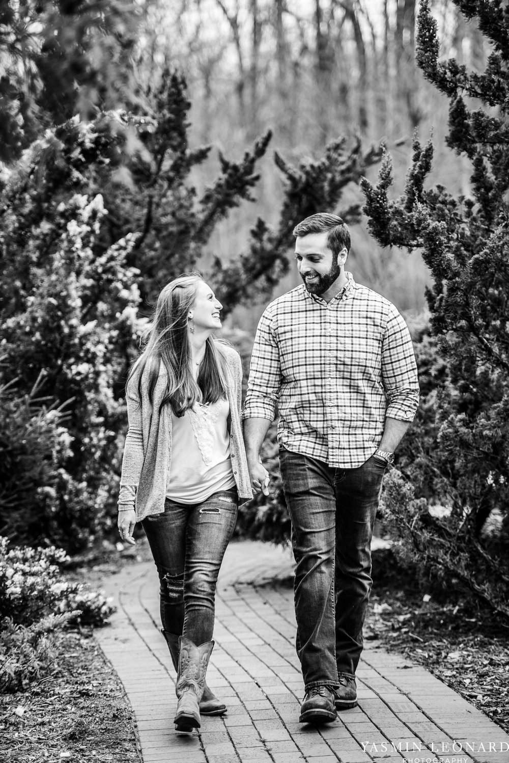 Engagement Session at Tanglewood - Spring Engagement Session - Engagement Session Ideas - Engagement Pictures - What to Wear for Engagement Pictures - Yasmin Leonard Photography-4.jpg