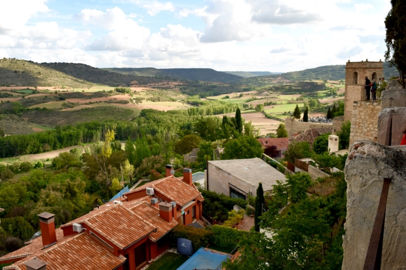 Overlooking Brihuega and the fertile valley that provides fresh ingredients for traditional dishes in Brihuega.