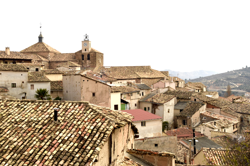 Just beyond this village, there are kilometres of uninhabited spaces, but in Spain people prefer to live with close neighbours.