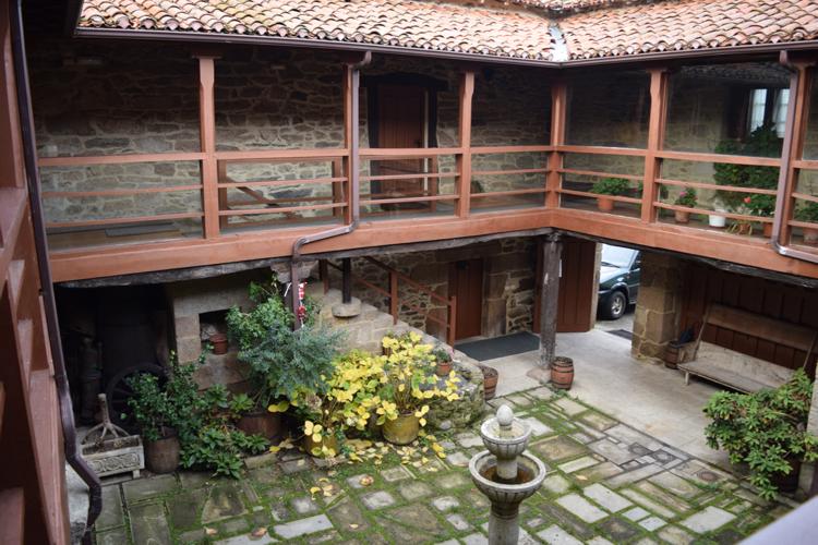 The interior patio of the Pazo San Lorenzo