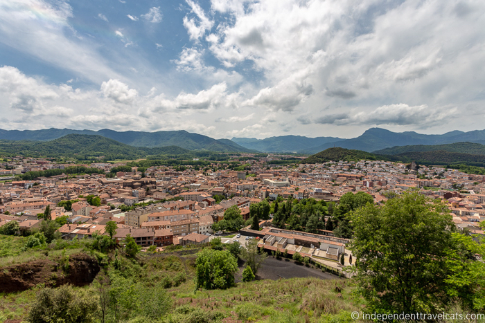 La Garrotxa is an area idea to explore by hiking, biking or simply strolling through the picturesque villages.