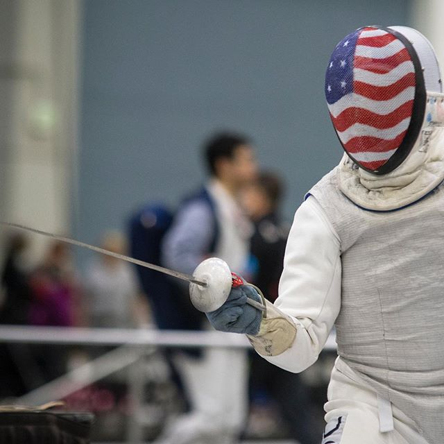 A few 📸's of the 🤺🤺 1,700+ athletes in Cincinnati to compete Dec. 14-17 at the @usfencing USA December North American Cup, including Olympians, World Champions and athletes ranging in age from 12 to 85. 🤺 🤺 🤺 #usafencing #fencinglife #epee #foilfencing #🤺 #⚔️ #saberfencing #teamusa #engarde #flunge #fleche #risposte #decembernac #cincinnati #cincy #cincyusasports