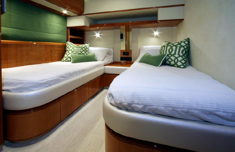 Yacht-Design-76'-Ferretti-Sioux-Empress.jpg