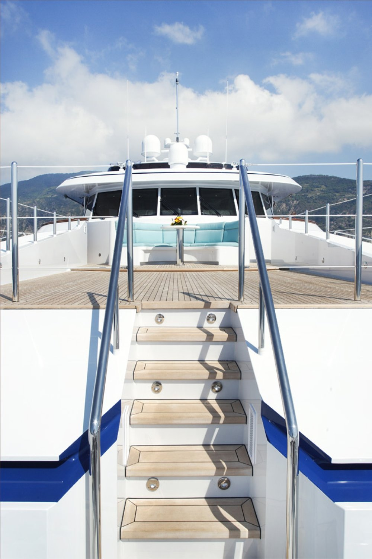 Karen-Lynn-Portfolio-03-Motoryacht-Falcon-C_3.jpg