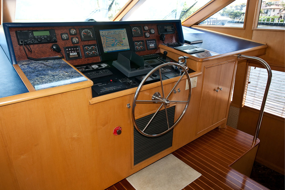 Karen-Lynn-Portfolio-09-Motoryacht-Doubledown_13.jpg