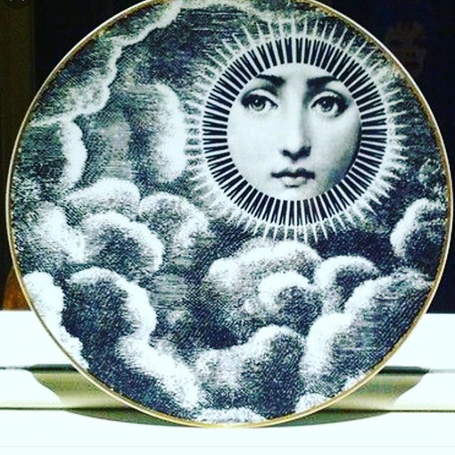 Current mood #Eclipse #fornasettiplates #tabletop #panierhome