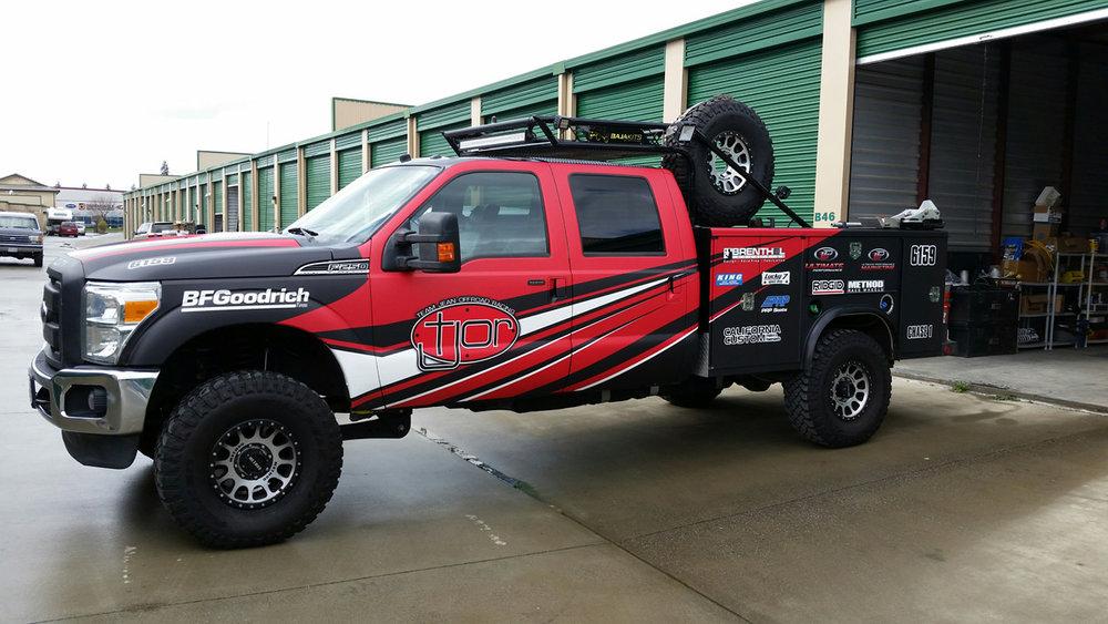 Team Jean Offroad Chase Truck3.jpg