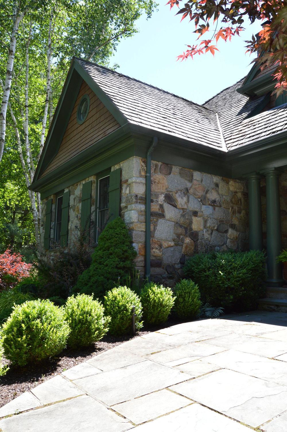 6 Best Boxwood Cultivars for your Yorktown Landscape Design
