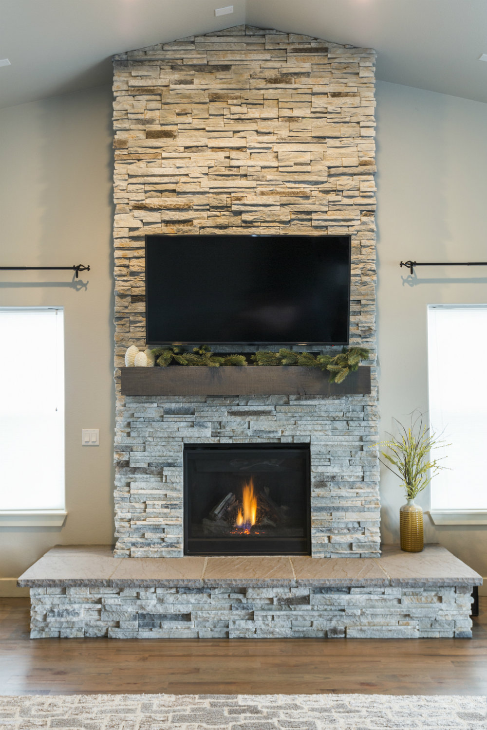 Using Stone Veneer for Interior Masonry in Briarcliff Manor, NY