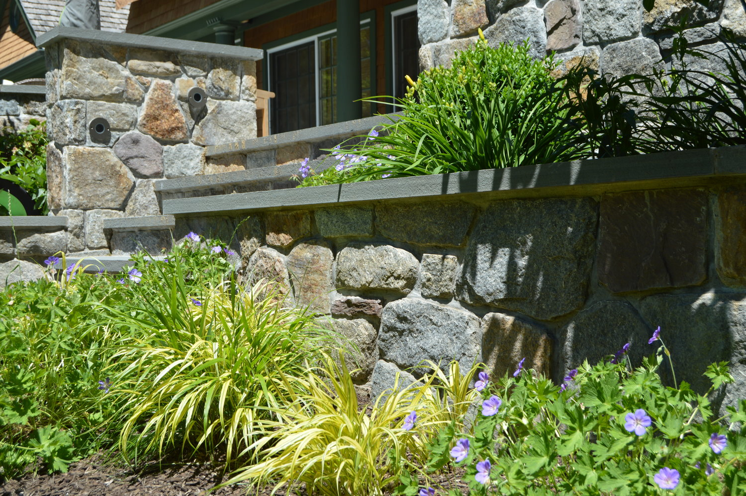 4 Beautiful Landscape Design Features For Your Front Yard In