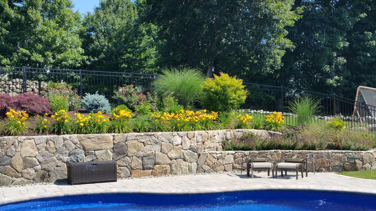 Landscape Design Ideas For Backyards With Natural Surroundings In