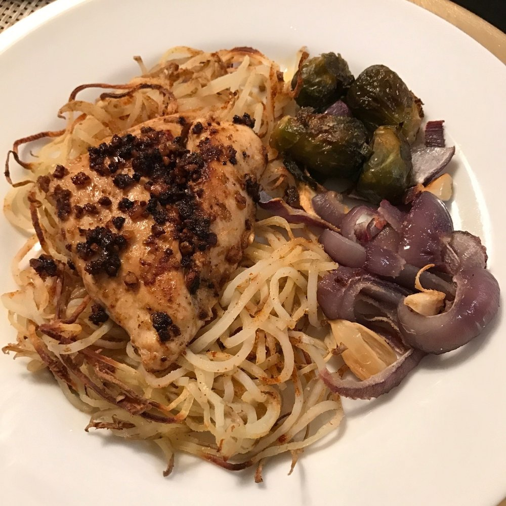 Whole 30 Garlic Chicken with Spiralized Potatos and Vegetables