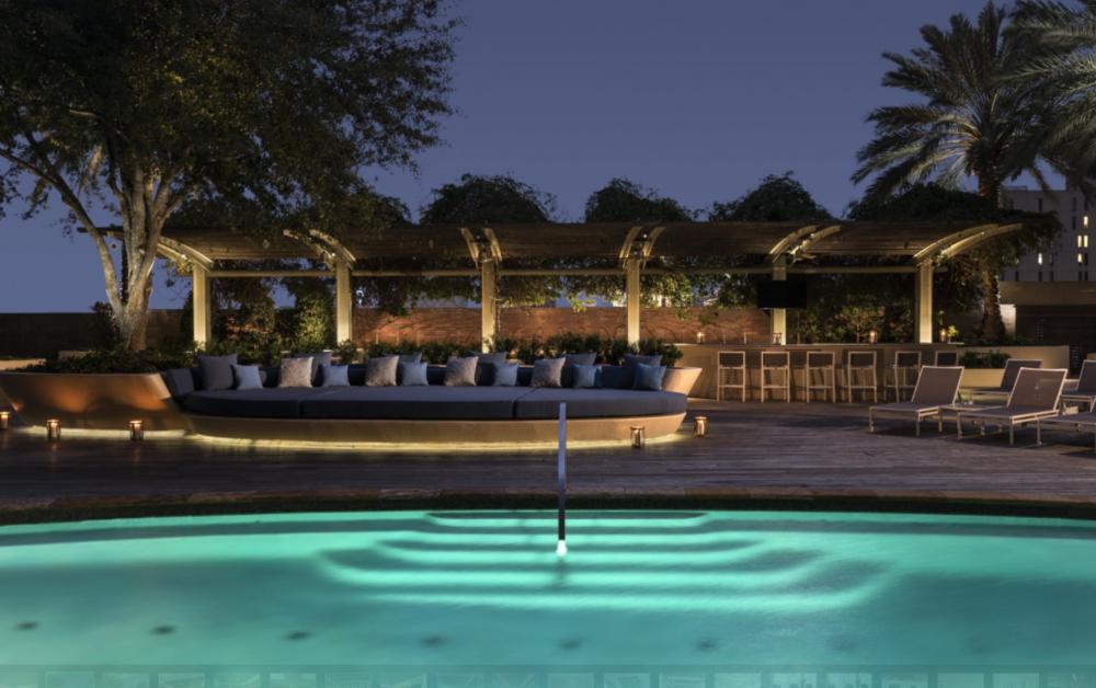 Four Seasons pool.PNG