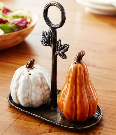 pumpkin salt and pepper shakers.PNG