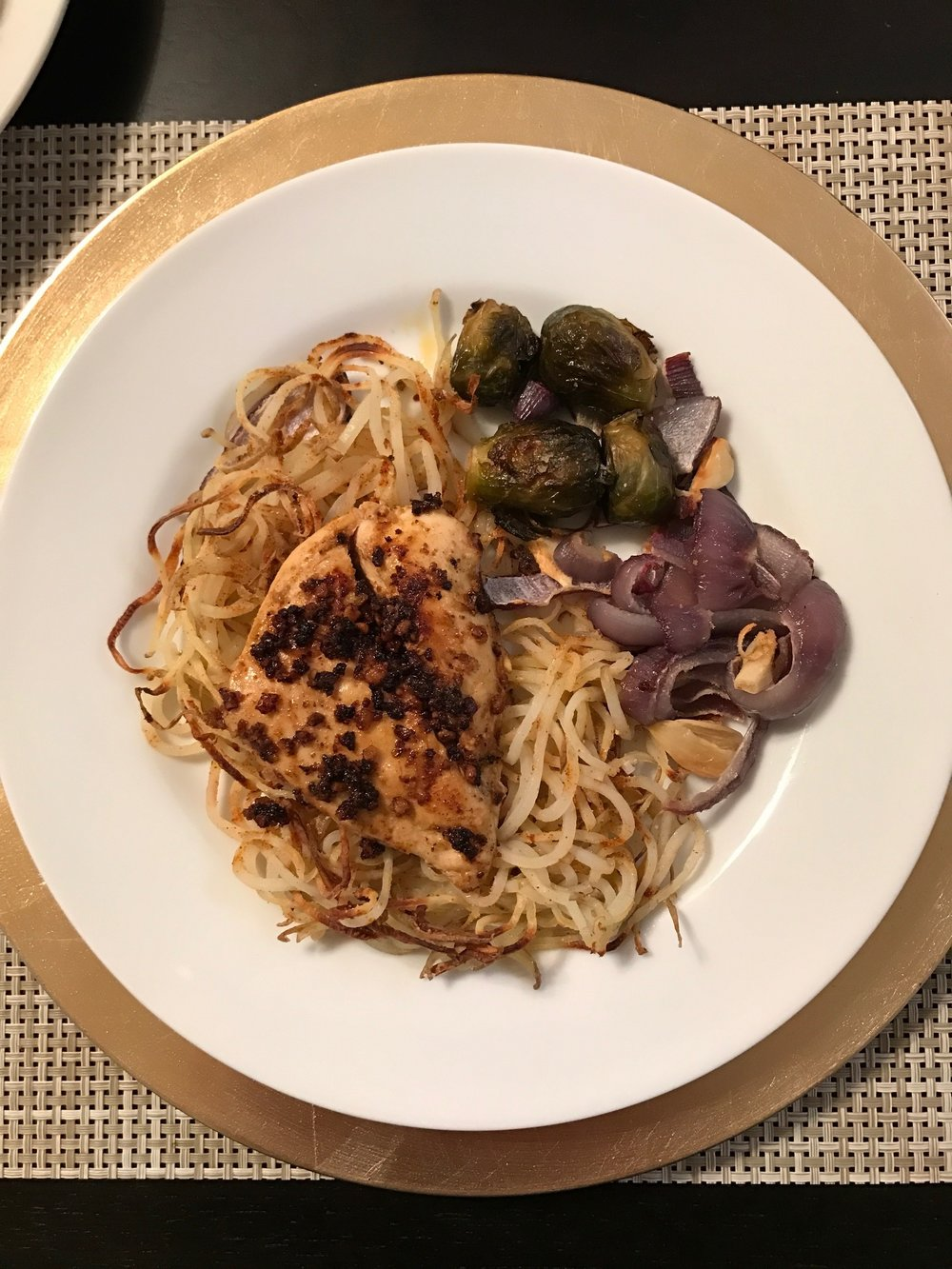 Garlic Chicken with Spiralized Potatoes and Roasted Vegetables - Paleo & Whole 30