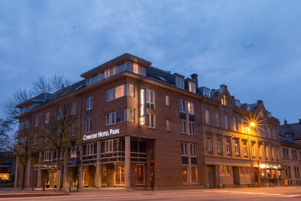 Comfort Hotel Park   Comfort Hotel Park er et moderne storbyhotell i sentrum av Trondheim med gangavstand til byens varierte kulturtilbud. Her bor du i spennende og urbane omgivelser til en rimelig pris om du er på storbyferie, weekendopphold eller forretningsreise.