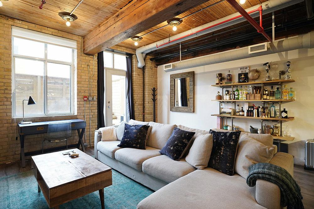 371Wallace-airbnb10.jpg