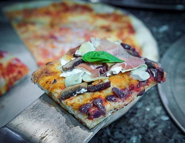 Pizza Quattro Stagioni 💥 . . . #quattrostagioni #eat #eatfamous #eatupnewyork #foodie #foodstagram #forkyeah #foodporn #nycfoodie #goodeats #foodblogger #eatingfortheinsta #foodgasm #thedailybite #bites #zagat #yum #yumm #foodbeast #pizza #pizzamania #pizzapics #pizzapizza #lovefood #pasta #pastapasta