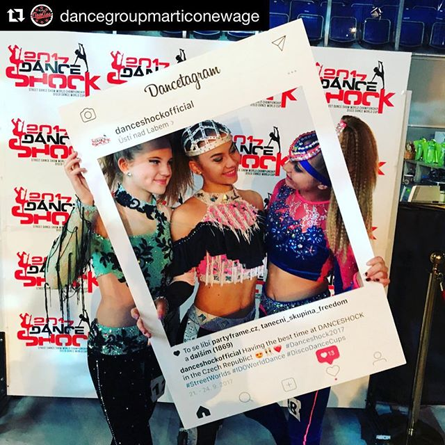 Instagramový Party Frame jsme vyrobili i pro známou taneční soutěž Danceshock @danceshockofficial jako součást fotokoutku 📸 - #danceshock2017 #danceshock #ustinadlabem #dancecompetition #partyframecz #photocorner #marketingideas #instagramframe #partyidea #socialframe #socialmedia #partytime #partyorganizer #socialcutout #czechinsta #czech #prague #czechgirl #dancers #instaframe repost @dancegroupmarticonewage