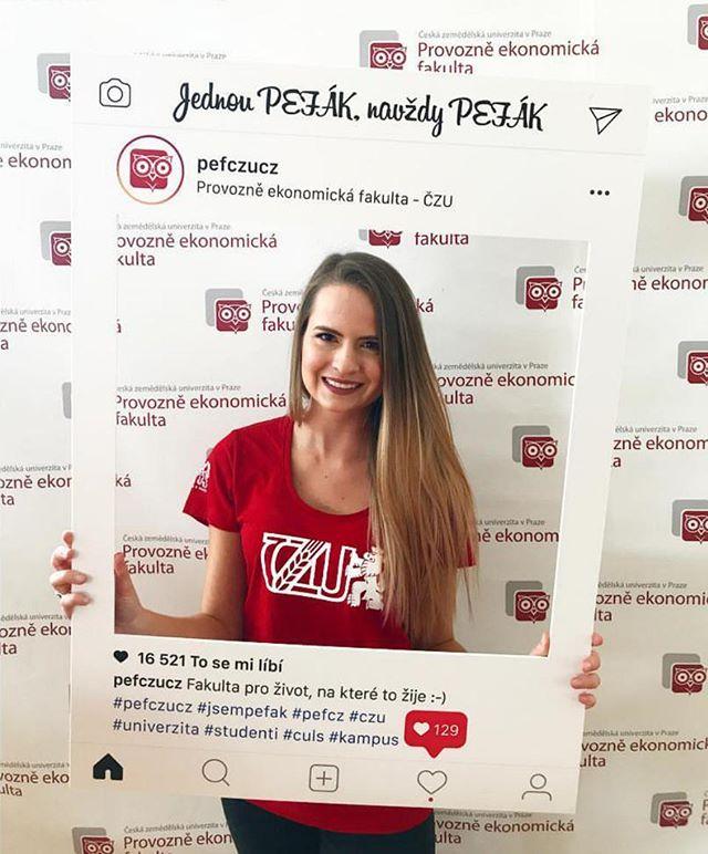 Další insta rámeček jsme vyrobili pro PEFáky 😍 • • • #pefczucz #jsempefak #pefcz #czu #univerzita #studenti #culs #kampus #partyframecz