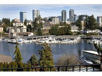 9608 SE Shoreland Dr, Bellevue | $1,634,000