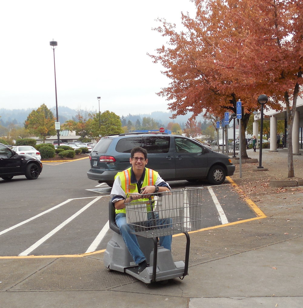 19 Fredmeyer-Joe-carts.jpg