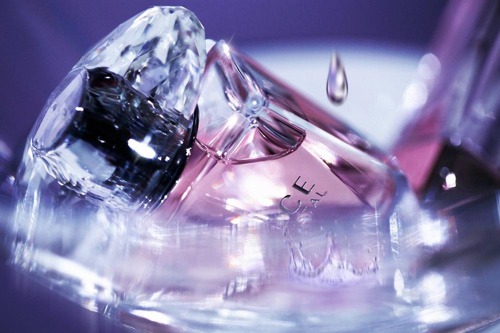 versace_bright_crystal_052tear.jpg