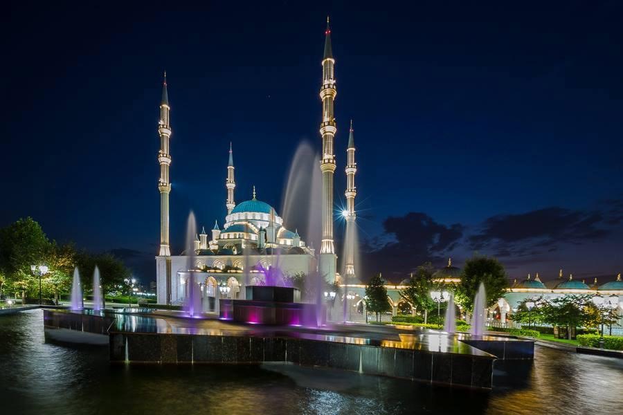 "Masjid ""Heart of Chechnya"", One of the biggest mosques in Europe"