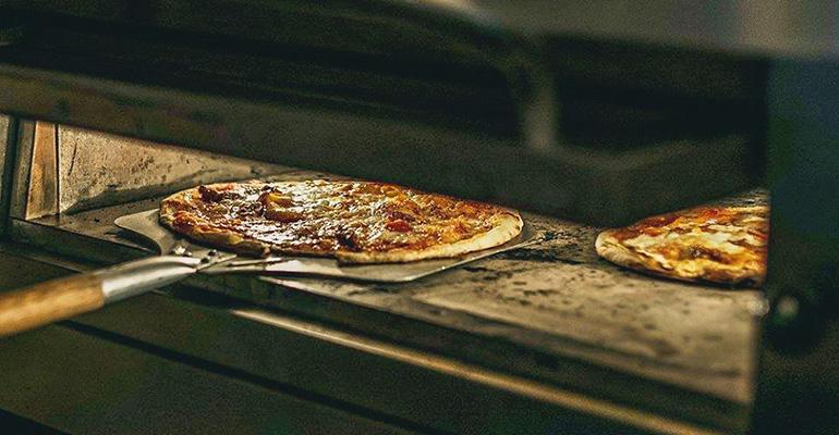 LR_pizza_770x400.jpg