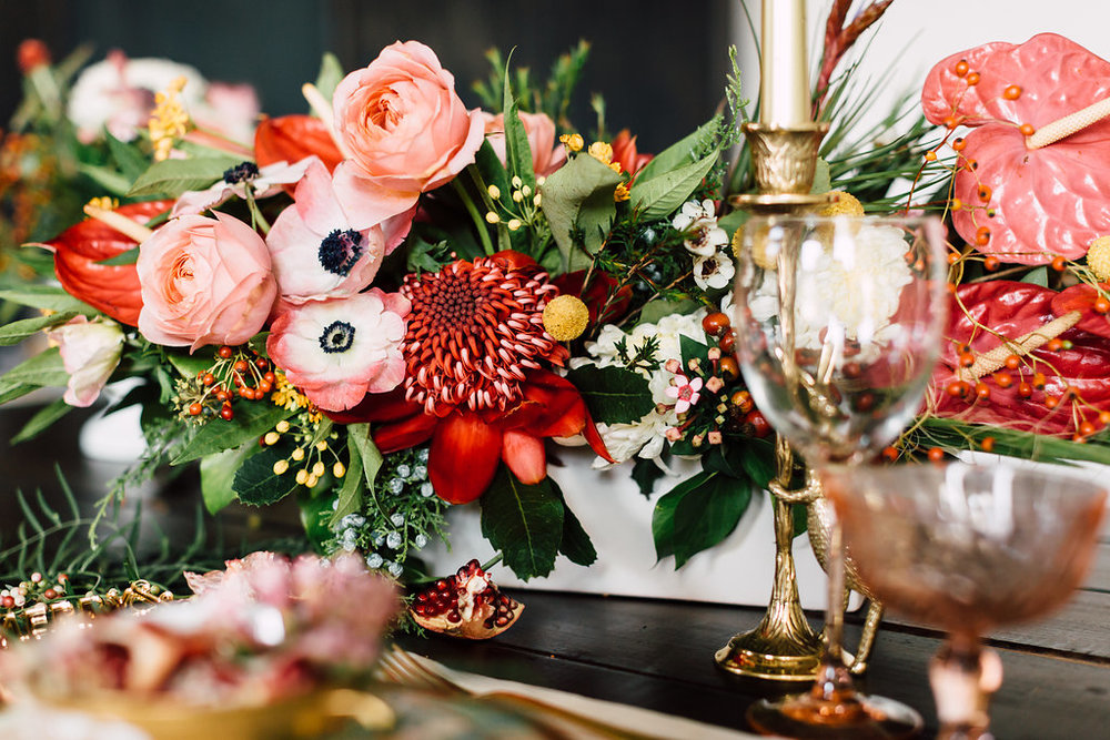 5 Tips for Creating a Beautiful Holiday Tablescape
